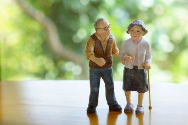 高齢者の巻き爪、なぜ多い?原因・ケア方法・高齢者の爪の特徴